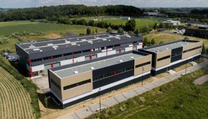 Vente local d'activité - entrepôt à Famars - Ref.59.9827