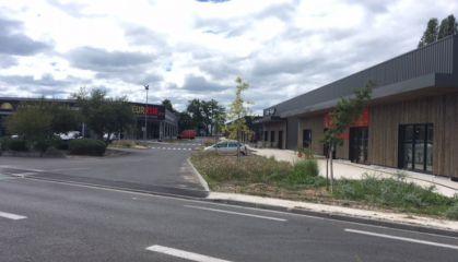 Location local commercial à Mérignac - Ref.33.7104 - Image 1