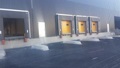 Location local d'activité - entrepôt à Bassens - Ref.33.7773 - Image 3
