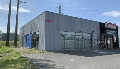 Location local commercial à Lons - Ref.64.7003