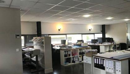 Vente bureaux à Lormont - Ref.33.7676 - Image 1